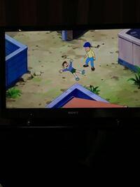 ドラえもんにこんなキャラクターいましたっけ?青いキャップの黄色いシャツの水色ズボンの奴です。