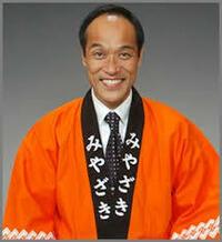 東国原英夫て宮崎県の知事した人なのになぜ今は芸能コメンテーターをしているのですか。 政治家もちょっとのあいだやっていましたが。 そんな人がなぜバイキングで芸能ニュースについてコメンテーターをしている...