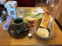 コメダ珈琲店の、モーニングサービスは 名古屋の喫茶店の  モーニングサービスの文化の  延長線上に  あるのでしょうか?