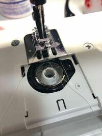 ミシンの下糸がこういう状態になって縫えない時はどうしたらいいのでしゃうか?ジャノメです。