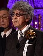 日本アカデミー賞授賞式です。 何と言うお名前の方でしょうか?  衣装か美術の方と思われます。