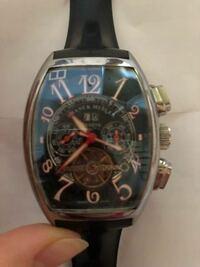 このフランクミュラーの時計本物でしょうか?偽物でしょうか?分かる方いたら参考までによろしくお願いします。
