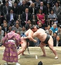 皆さまは 日本人として国技である相撲を誇りに思っていますか? 欧米人にお見せして感激されるものでしょうか?