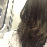 今日ブリーチなしの茶髪の状態からこの色に染めてもらったのですが、ムラシャンをしたら色落ちは遅くなりますか?