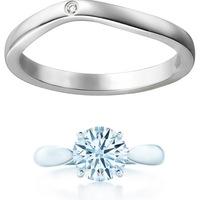 画像のカルティエのバレリーナ(結婚指輪)は他のブランドの婚約指輪と重ね付けしても違和感ないでしょうか?  結婚指輪、婚約指輪をさがしており、結婚指輪はネットでみて一目惚れ、実物見ても やはり可愛くて今...