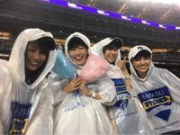 ももクロがニューヨークのヤンキースタジアムで大リーグを初観戦してどしゃ降りになってしまいましたが、 そろそろ ももクロの雨女である佐々木彩夏はお祓い受けた方がいいのではないでしょうか?