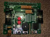 Raspberry Pi I/Oボード 先日友人から譲り受けて貰ったRaspberry piのI/Oボードですが、この既に設置されているライトやブザーって普通にGPIOで動くのでしょうか? 例:奥側の赤LEDは「LED1」と印字されているので...