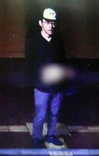 大阪吹田市交番の拳銃奪って逃走のこの男はいまどこにいますか?予想で構いません それにしても左胸に包丁刺さって見つかった警官は心臓それたのですか?