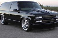 アメ車好きな方、この車はシボレーのどの機種ですか?