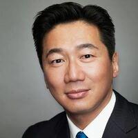 気化議員の福山哲郎こと陳哲郎は、元の国籍は韓国人と中国人どっちなんですか?
