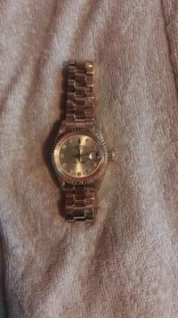 ロレックスの時計について。 祖父の家を整理していたらロレックスの時計が出てきました。 この時計の種類を知りたいのですが、詳しい方教えて頂けませんか?