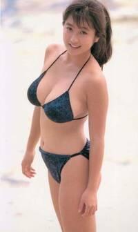 川崎あやさんは、スレンダーなお嬢様ですが、引退されるそうです。ところで、ムチムチの【かとうれいこ】さんですが、仮にかとうさんの写真当時として、デートを申し込まれたらどちらを選びますか。