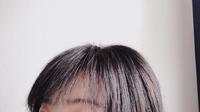 前髪をすかれすぎて困っています。   美容院で髪の毛を切ってもらいました。 その時前髪少し軽くしたいとのことだったのですが。。 前髪をすかれすぎて前髪が浮いてしまいます。 前髪が短 いため後ろに持ってくことも難しく、アホ毛みたいなものがすごい出てきます。  修正のしようがないので、アレンジの仕方など教えてほしいです。