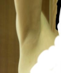 ノースリーブについて ノースリーブって、二の腕や脇の下で似合う、似合わないってありますよね。  二の腕を引き締めて、脇の下も手入れしてみました。 これなら、ノースリーブも大丈夫ですか? 暑くなってノース...