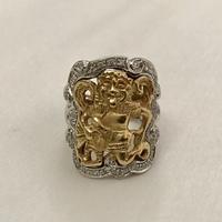 この指輪のモチーフは何でしょうか?