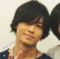 今の川村壱馬くんの髪型まで伸ばしたいんですけど。 これって結構長いですよね(--;)  それとこれは刈り上げはしているんでしょうか?  雰囲気、近づいた髪型にしたいです。