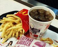 マクドナルド コーラ 無料って本当ですか?