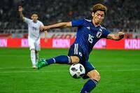 大迫勇也選手の背番号はなぜ11番ではなく 15番なんですか? ワントップなら大迫選手が一番実力が あると思います。