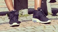 この靴がどこのブランドのなんて靴かわかる方居ますか。教えて欲しいです