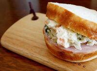 サンドイッチにハムとポテトサラダってありですか?