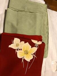 紋なし 江戸小紋に 名古屋帯です。 名古屋帯の花は 何の花でしょうか。。 この組み合わせで着るのであれば、 何月が妥当ですか?着物は袷です。