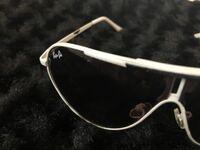 どこのメーカーのサングラスかお分かりの方教えて下さい。 サングラス ファッション メガネ