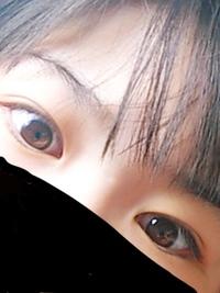 この、目の色って何色ですか?ブスですみません(>_<)