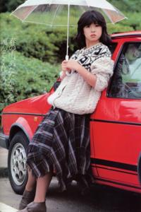 中森明菜さんを車の助手席に乗ってくれたとしたら明菜さんのどんな歌を聴きたいですか?  宜しくお願いします。