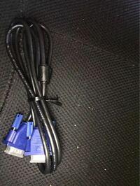 DVIケーブルにこのモニターにはこのDVIケーブルでないといけないとかってありますか?そしてこの写真のケーブルってDVIケーブルですか?