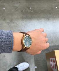 TIMEX腕時計の品番について 写真の以前気になっていながら購入しなかった、TIMEXの腕時計の品番を知りたいのですが、わかる方がいればお願いします。