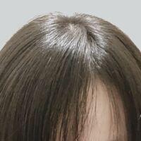 髪の分け目で悩みです。 私は前髪の分け目が右です… これを真ん中にすることは可能ですか?