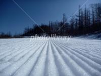 スキー場の圧雪面はなぜギザギザしているのですか?