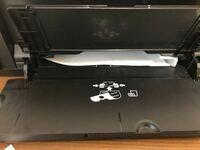 印刷機で紙が詰まってしまったのですが、どのように対処すれば良いでしょうか?