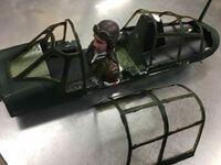 零戦のキャノピー改良修理(ラジコン機) 数年でキャノピーの劣化が酷くて黄色に変色 多分にプラスチックの紫外線と劣化で変色したんだと思います搭乗員が見えないくらいにガラス面は全て変色で あまりにも酷い劣化...