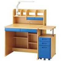 下の机と似た物を使っているのですがワゴン、机の小さい引き出し、足元の棚には何を入れていますか? 文具は机についている引き出しに収まっていて教科書も別の棚に入れているため使い道があり ません。何を入れたらいいか、また何かいい方法などあったら教えて頂きたいです。