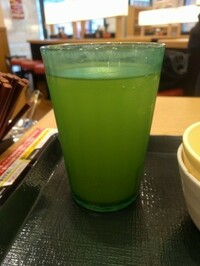 なか卯の緑色コップで似てる物はどっかにないですか?
