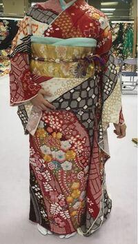 京都きもの友禅で振袖を見てきたのですが、この振袖どう思いますか?見た方の意見が欲しいです。回答よろしくお願いします。