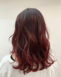 ブリーチなしでここまでの髪色に染まりますか? 私は縮毛矯正していて、ブリーチが出来ません… できるだけ明るめにしたいのですが、この色は出せますか?地毛はこげ茶で赤毛が何本か生えてます笑