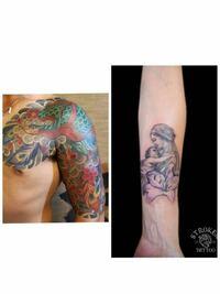 刺青の組み合わせについて 近々和彫りを入れる予定なのですが 組み合わせについて教えてください 胸から7分くらいまでで 画像左の鳳凰を胸らへんに、そして画像右の子供と抱いている女性を肘上らへんに組み合わせ...