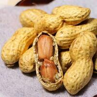 落花生で作るピーナッツクリームと、栗で作るマロンクリーム どちらが好きですか?