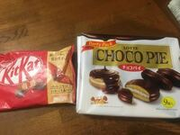 どっちの方が好きですか?チョコ菓子 どっちの方が好きですか?チョコ菓子