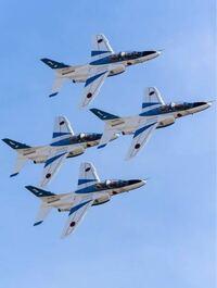 ブルーインパルスのパイロットは自衛官でいるうちに何回なれるのでしょうか? 1回だけですか?