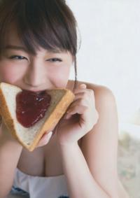 いちごジャムの時はパンは焼きますか?それとも焼きませんか?