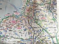福岡市内へのアクセスには九州自動車道の福岡ICか太宰府ICか…という選択肢がありますが、大阪・北九州方面からは前者、長崎・熊本・大分・宮崎・鹿児島方面からは後者…では不十分では? あと福岡市のもっと外側に...