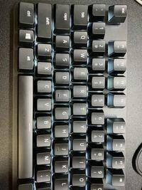 このキーボードで@マークが打てません シフト押したら'になってしまいます キーボードは再インストールしても入力できません どうしたら出来ますか?