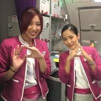 制服姿のアテンダントのお姉さん達はカッコよくないですか?  私もカッコイイ制服のお姉さんになりたいです  写真はピーチ航空です
