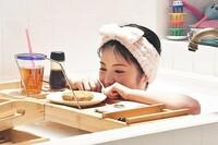 アリバイ崩し承ります  浜辺美波(若き店主・美谷時乃)が風呂で使っている コロッケなどを食べるときの板は,どこで売っていますか?