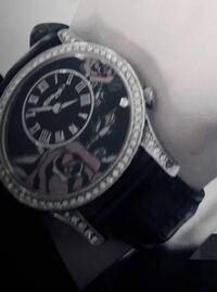 この腕時計ってどのメーカーのものか 分かる方いらっしゃいますか...? 教えてください(><)