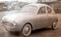 輸入車ディーラーとして有名なヤナセ(梁瀬自動車)が、1955年にの軽乗用車ヤナセ YXー360は元祖軽乗用車でしょうか? 360ccの水平対向2気筒空冷エンジンを搭載するFF方式を採用していたんでしょうか?