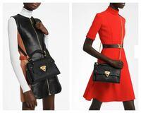 ヴィトンの2つのバッグで購入を迷っています。 画像の右か左、 みなさんの意見を聞かせてほしいです。  よろしくお願い致します。   Louis Vuitton ジョルジュ bb ヴァヴァン pm